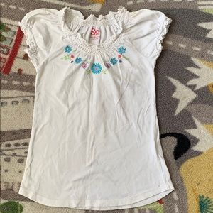 Girls Size 7 Shirt White Ruffle Sleeve Floral Top